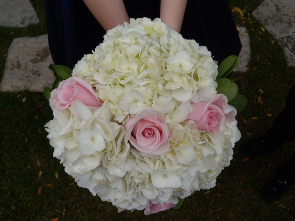 Close-up picture of a wedding bouquet
